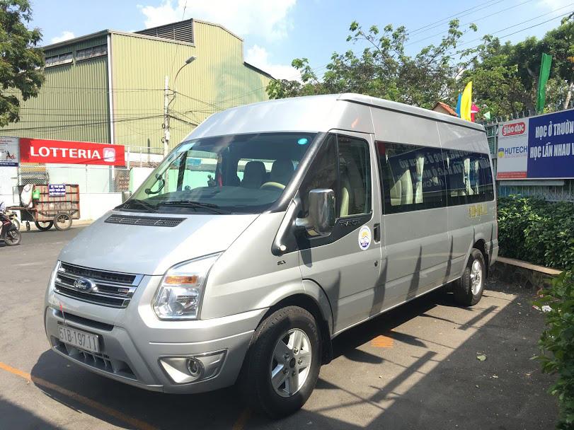 thuê xe du lịch Phi Loan Ford transit luxury 16 chỗ từ TPHCM đi Biển Cổ Thạch