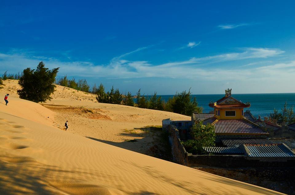 thuê xe du lịch 16 chỗ từ TPHCM đi đồi cát lăng ông nam hải Biển Cổ Thạch