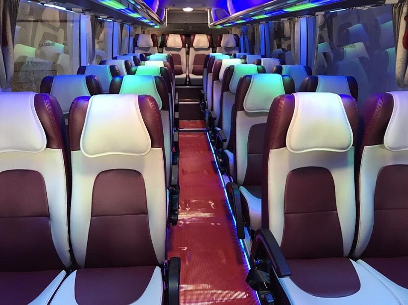 Thuê xe 29 chỗ tại quận 2 đi Phan Thiết Mũi Né với Nội thất ghế ngã bọc da cao cấp