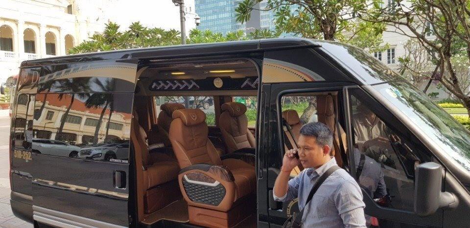 Thuê xe du lịch Dcar Limousine Tham quan TPHCM