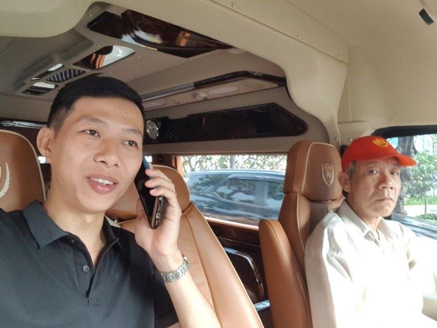 Thuê xe Limousine Dcar đón đối tác tại Sân Bay Tân Sơn Nhất
