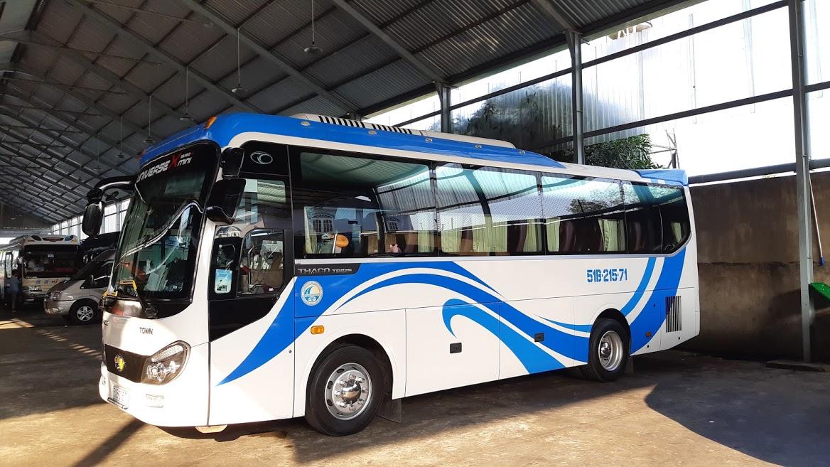 Thuê xe Thaco town 29 chỗ đi KDL Bình Châu tại TPHCM