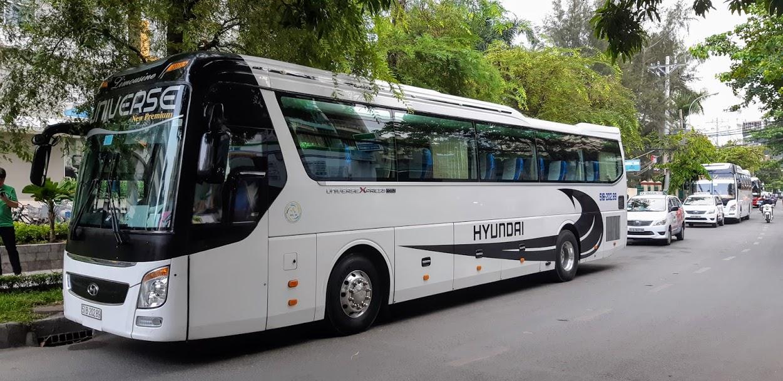 Thuê xe 45 chỗ tại quận 10 đi Đà Lạt - Hyundai Universe
