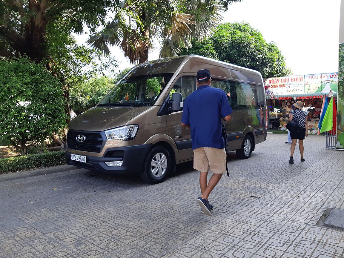 Cho thuê xe Hyundai Solati 16 chỗ đi Mỹ Tho Mekong