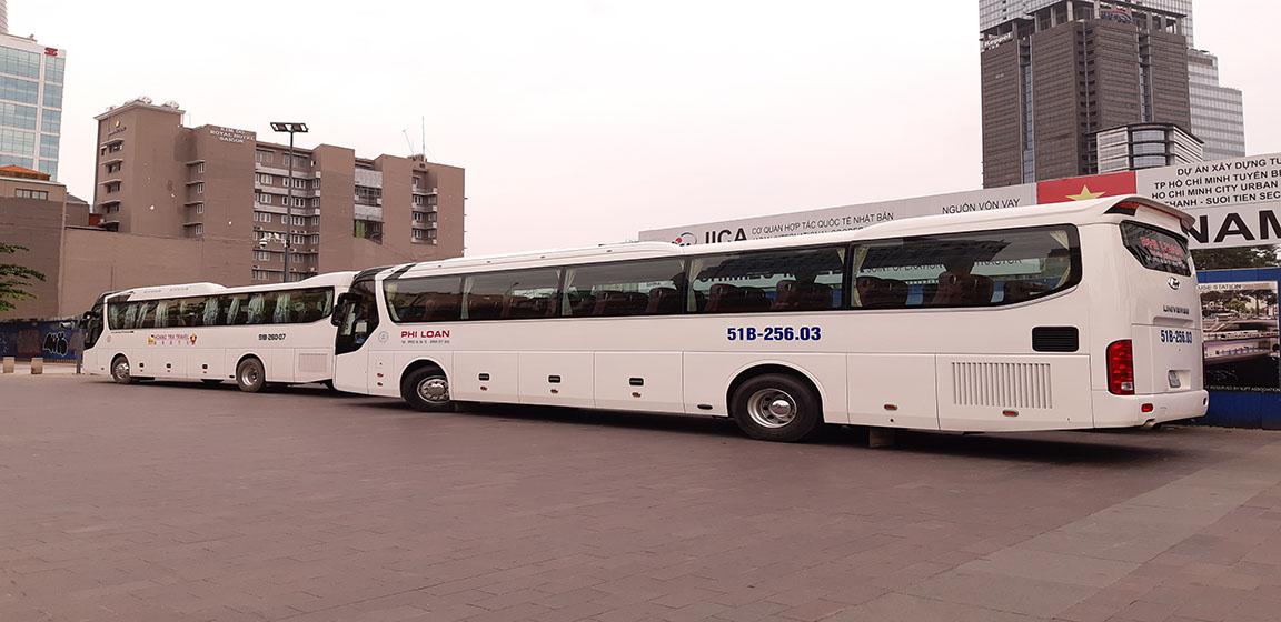Thuê xe 45 chỗ cao cấp Hyundai Universe tham quan TPHCM