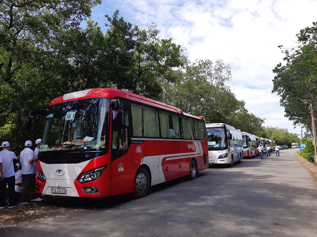 Đội xe Phi Loan 29 chỗ Thaco Town