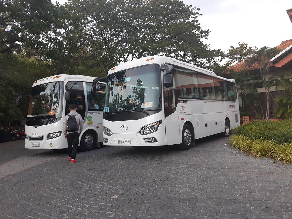 Xe Phi Loan 29s phục vụ khách tại Vinpearl Land Nha Trang