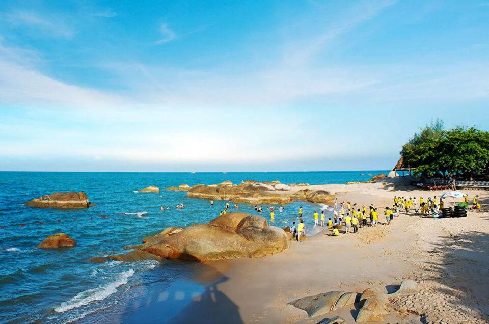 Thuê xe 16 chỗ đi Long Hải – Dinh Cô tại TPHCM