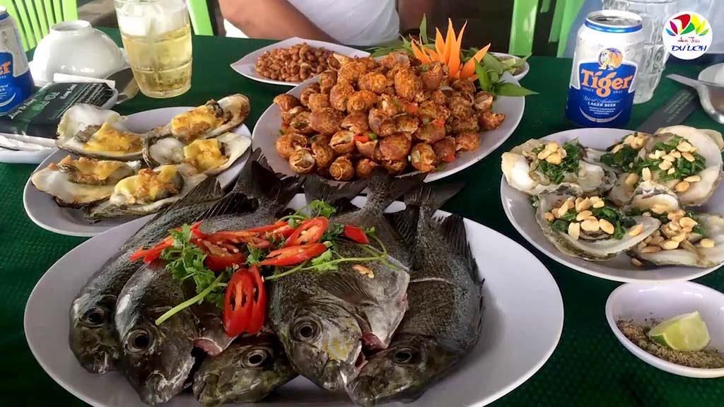 Các món hải sản tươi sống tại Làng Bè Long Sơn