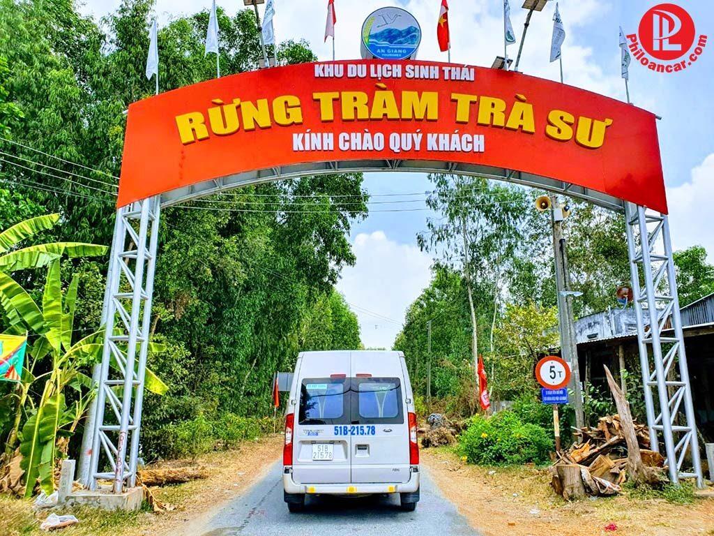 Thuê xe 16 chỗ đời mới tham quan KDL Sinh Thái Rừng Tràm Trà Sư